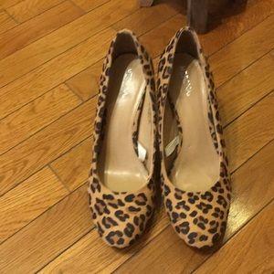 Leopard print shoes.